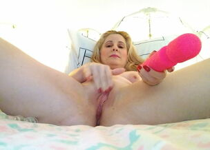 Teen play with dildo